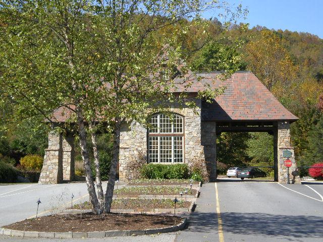 North carolina luxury homes asheville nc luxury homes for Asheville mountain homes