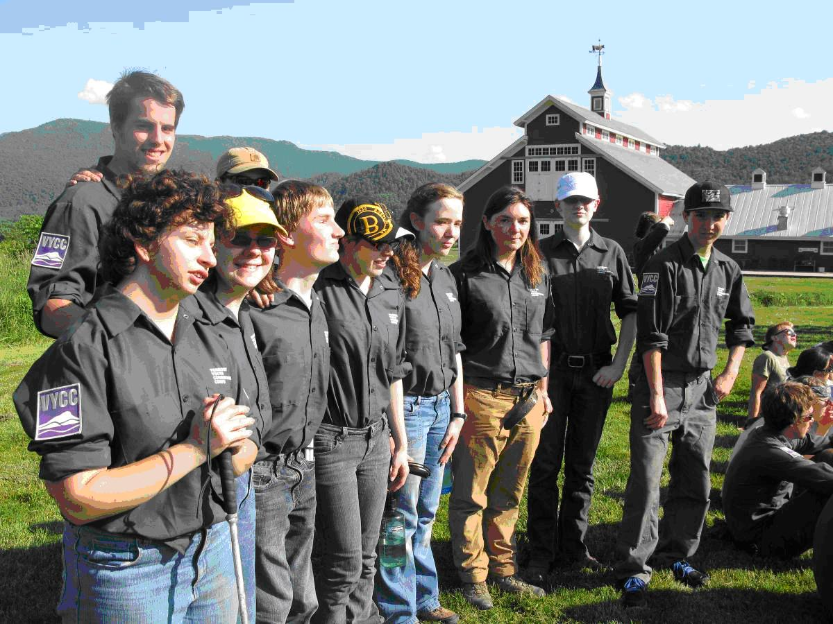 The 2013 LEAP Crew standing on the lawn behind the West Monitor Barn