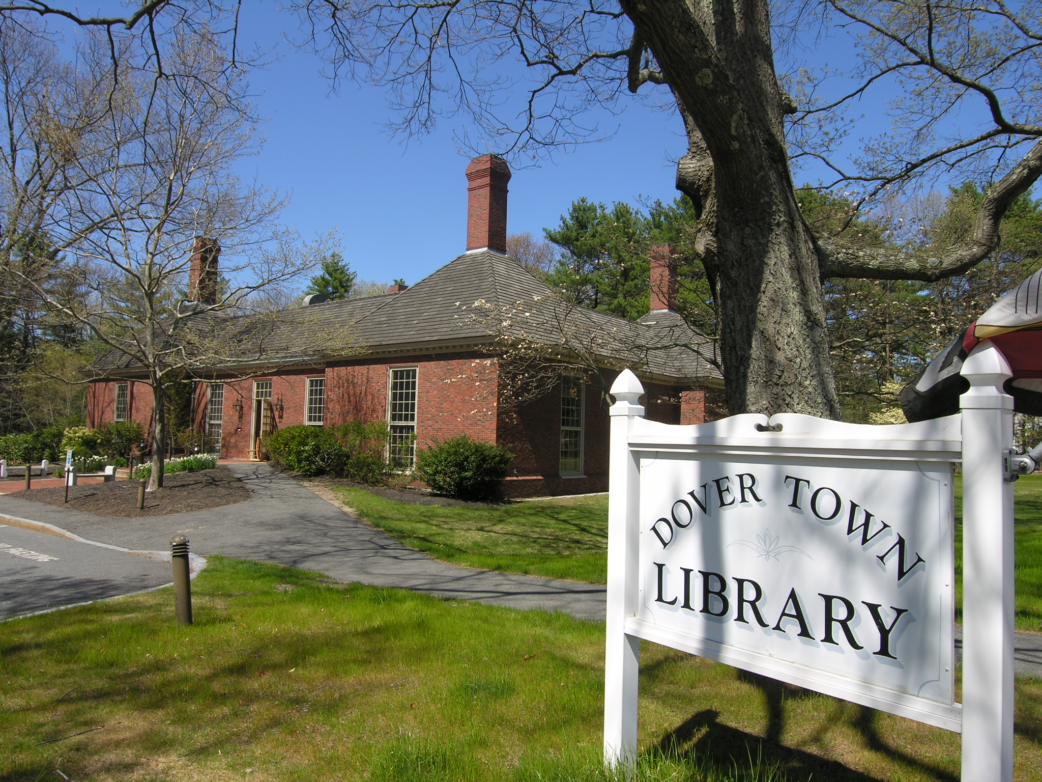 Dover MA Town Library