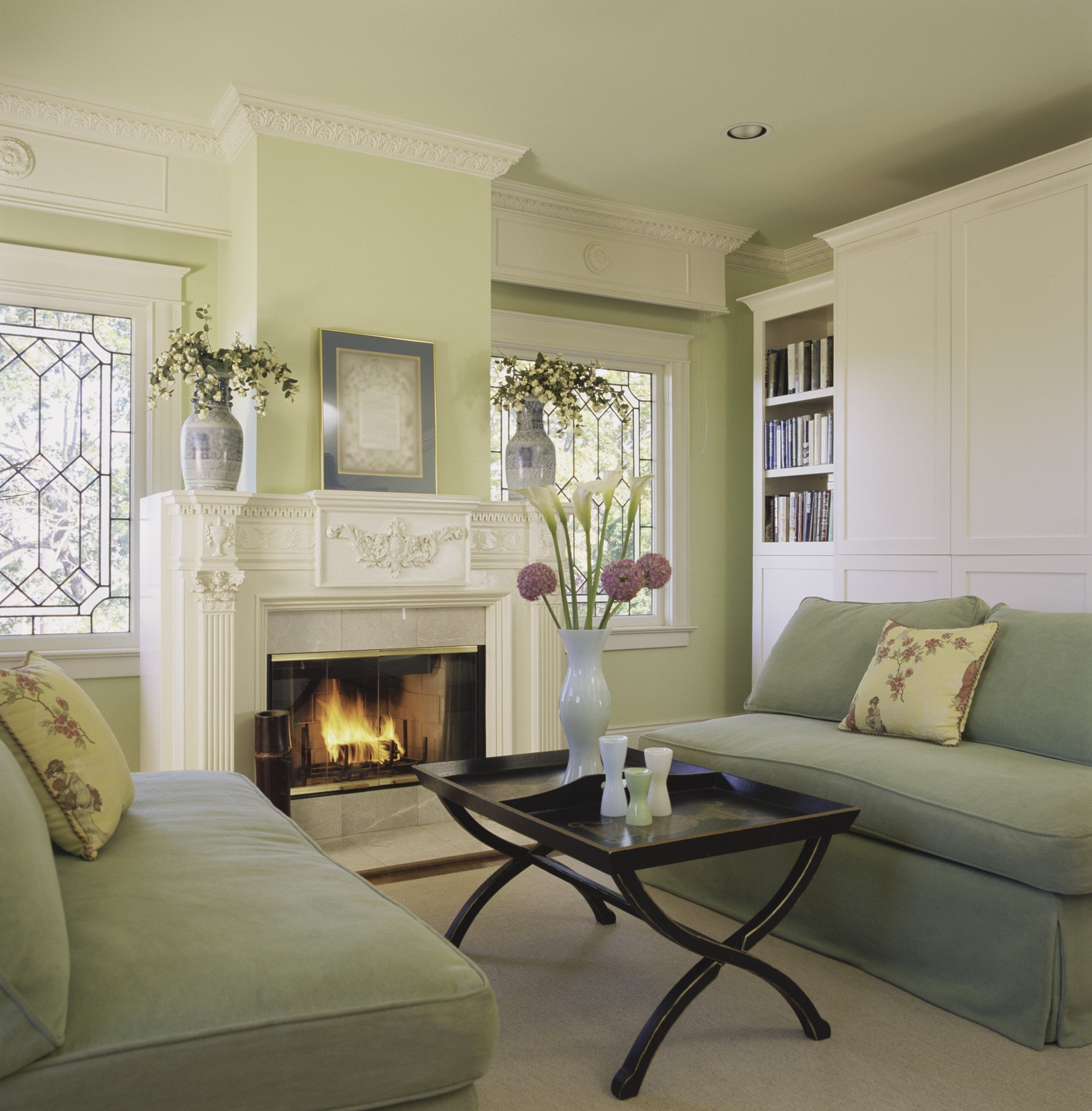 Staging your home to sell low cost staging tips for Best interior colors to sell house