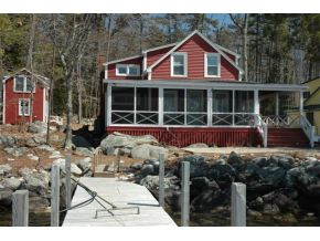 Classic Seasonal Cottage on Lake Winnipesaukee