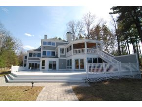 Lake Winnipesaukee Real Estate - Lake Winnipesaukee lakefront home