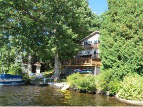 102 feet of shoreline on 650 acre Northwood Lake
