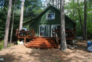 3 Bedrooms - 2 Bath Chalet on 2 Level Acres $435,000