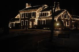 string lights on house