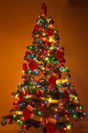 xmas tree-colored lights
