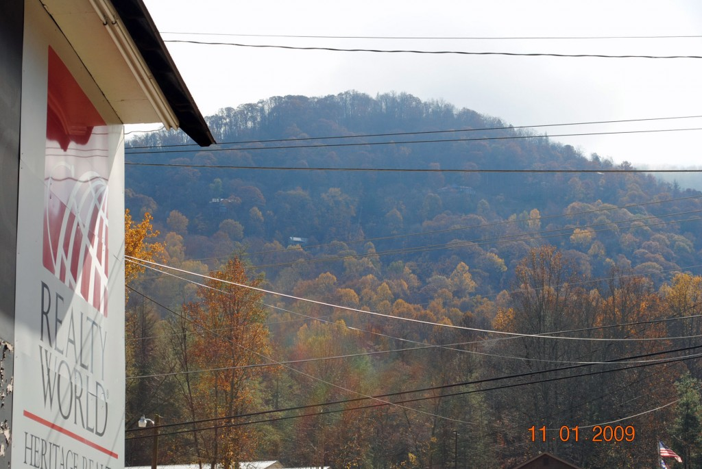 Maggie Valley NC Fall Leaves Update as of 11-1-09