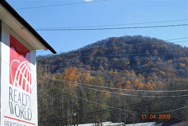Maggie Valley NC Fall Leaves Update as of 11-4-09